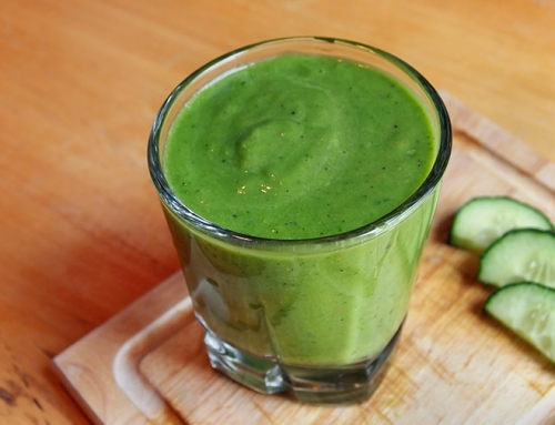 This Anti-Inflammatory Smoothie Has a Special Ingredient to Help You Sleep (And Reduce Stress)